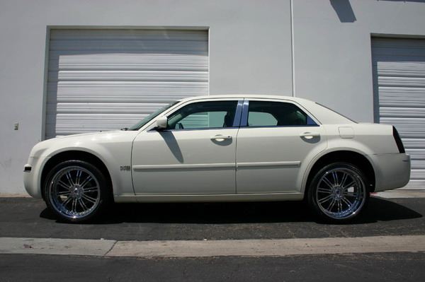 Chrysler 300/300C 2005+ Up