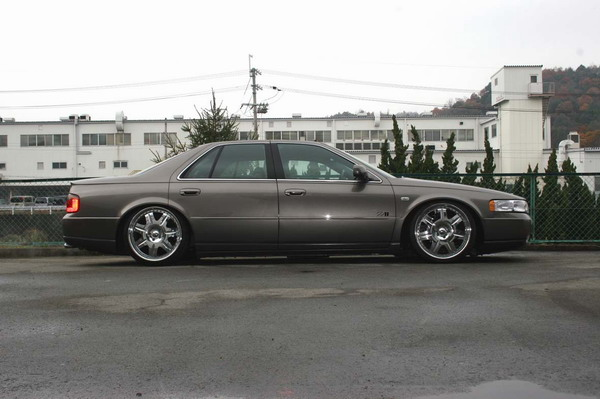 Cadillac STS 1998-2004 Down