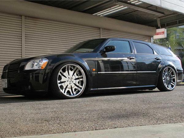 Dodge Magnum 2005+