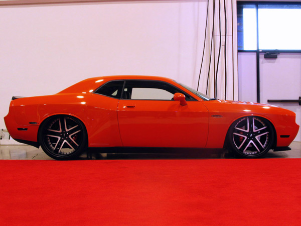 Dodge Challenger 2008+ Down